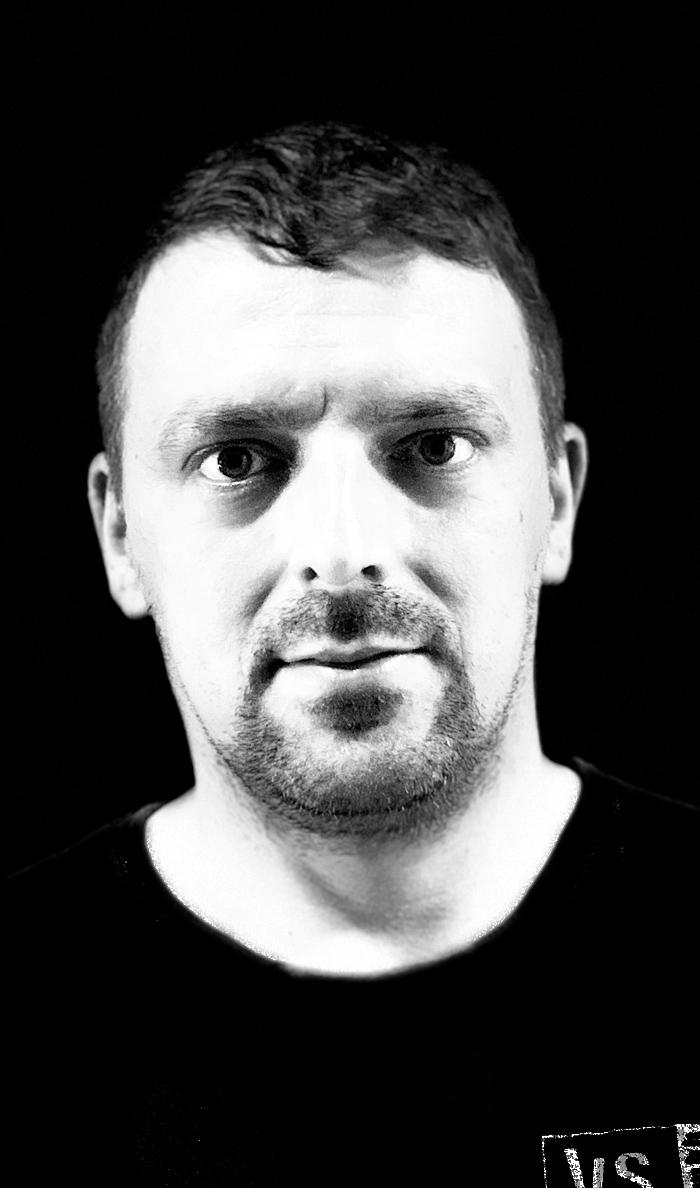 Stahlfertiger-Mitarbeiter_Komarek-Petr